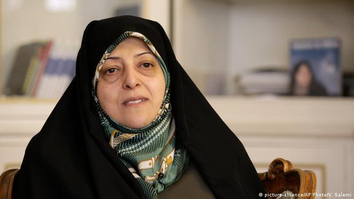 iranische Vizepräsidentin für Frauen- und Familienangelegenheiten, Masoumeh Ebtekar, wurde positiv auf Coronavirus getestet