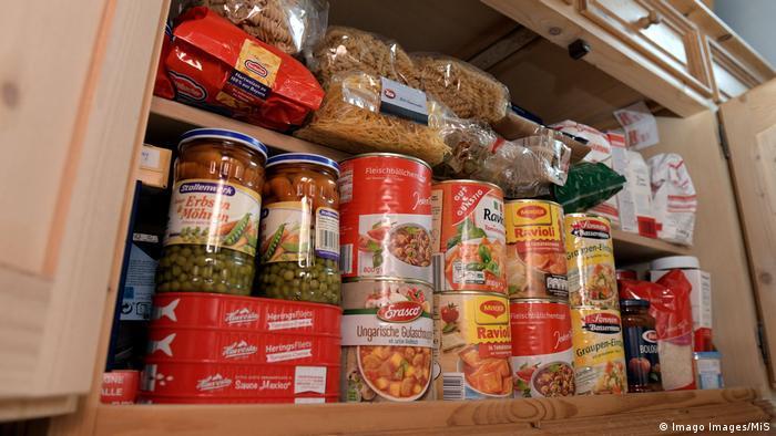 به شهروندان آلمان توصیه شده مواد خوراکی و بهداشتی در خانه ذخیره کنند