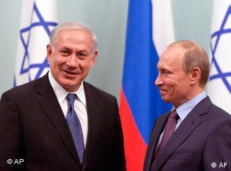 مناسبات میان  روسیه و اسراییل در سالهای اخیر گسترش چشمگیری داشته است. ولادیمیر پوتین(راست) نخستوزیر روسیه و بنیامین ناتنایاهو، نخستوزیر اسراییل- عکس از آرشیو