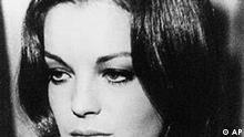 Ein undatiertes Archivbild zeigt ein Portrait der deutschen Schauspielerin Romy Schneider. Vor 20 Jahren, am 29. Mai 1982, verstarb die in Frankreich und Deutschland beliebte Schauspielerin im Alter von 43 Jahren in ihrer Wohnung in Paris. (AP Photo/Archivbild) **nur S/W** --zu unserem KORR.--
