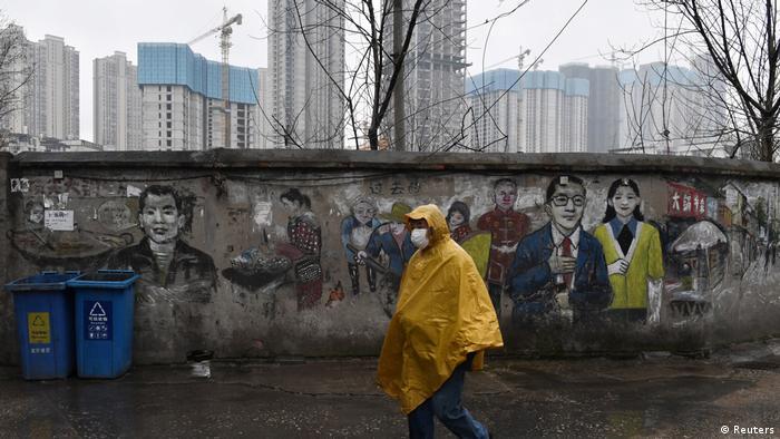 China Wuhan | Coronavirus | Mann mit Schutzmaske