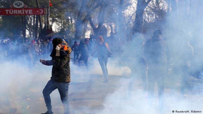 Türkei Ausschreitungen am Grenzübergang Pazarkule zu Griechenland (Reuters/H. Aldemir)