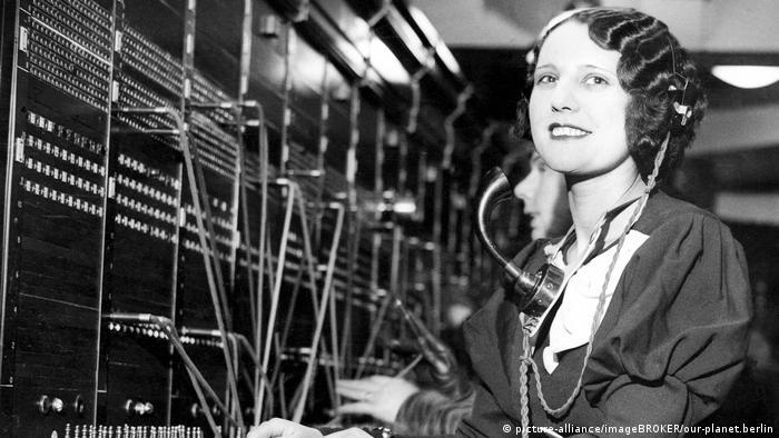 Фройляйн телефонистка в 20-е годы