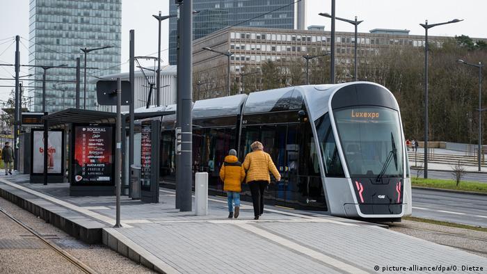 Luxemburg startet kostenlosen öffentlichen Personennahverkehr (picture-alliance/dpa/O. Dietze)
