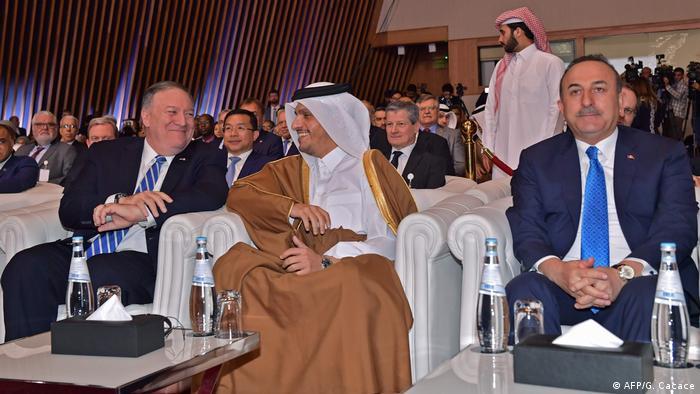 پمپئو، محمد بن عبدالرحمن آل ثانی و چاوشاوغلو، وزرای خارجه آمریکا، قطر و ترکیه، شنبه ۲۹ فوریه در دوحه