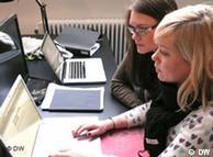 سيدتان من  السويد في مقتبل العمر أنشأتا موقع وصيتي الالكترونية لإدارة الحسابات  الالكترونية للمستخدمين المتوفين