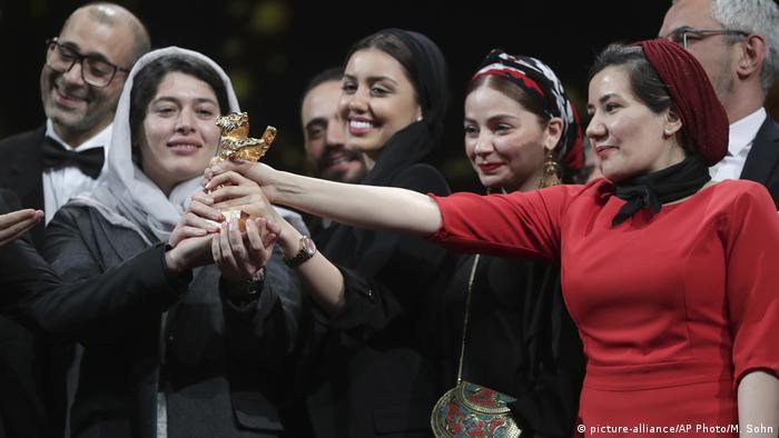 Internationale Filmfestspiele Berlin 2020 | Preisverleihung | There Is No Evil, Bester Film (picture-alliance/AP Photo/M. Sohn)