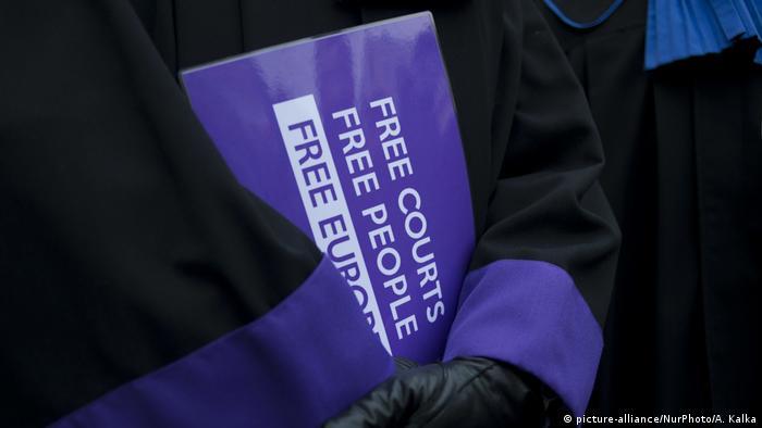 На акции протеста в Варшаве против судебной реформы, 11 января 2020 г.