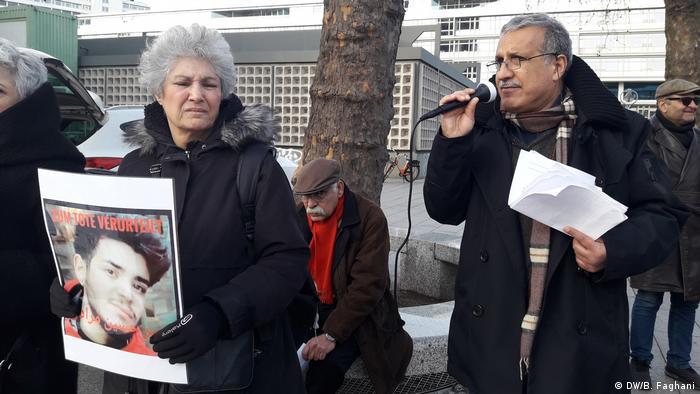 Deutschland Berlin   Protest gegen Todesstrafe im Iran