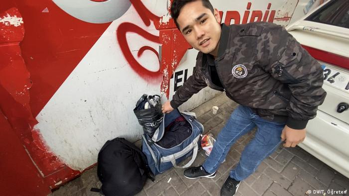 Młody Afgańczyk Muhammed próbuje dostać się do Europy