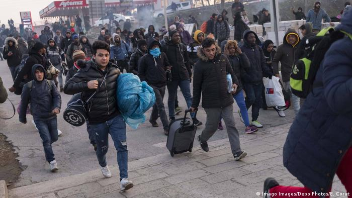 Türkei Flüchtlinge vor der Grenze zu Griechenland (Imago Images/Depo Photos/E. Corut)