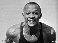Owens na Universidade de Ohio, em abril de 1935