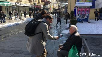 Bitola Nord Mazedonien im bild Arber Bajrami und Elona Elezi (DW/F. Schmitz)