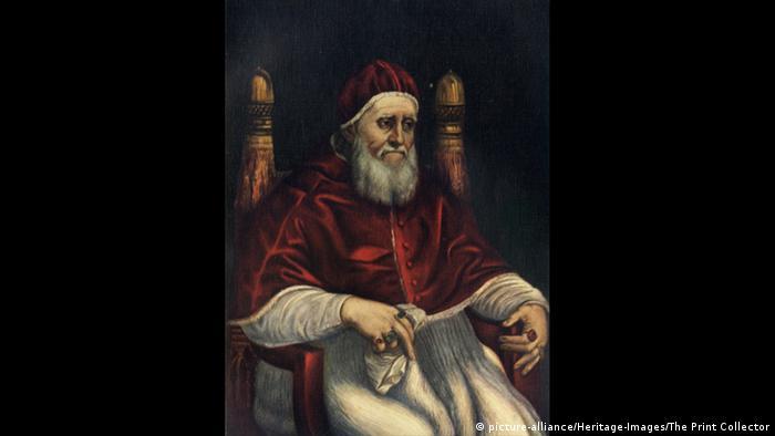 Папа Юлий Втори го изтегля във Ватикана през 1508 година, когато макар и само на 24 години, Рафаело вече си е спечелил славата на един от най-търсените художници. Именно във Ватикана той създава някои от най-известните си произведения, сред които и т.нар. Стаи на Рафаело. Неговите фрески в Апостолическия дворец във Ватикана принадлежат към най-големите шедьоври на Ренесанса.