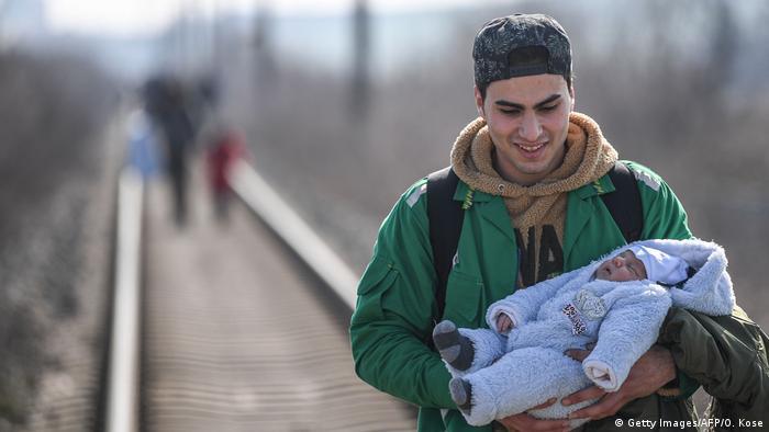 BG Flüchtlingskrise Griechenland/Türkei (Getty Images/AFP/O. Kose)
