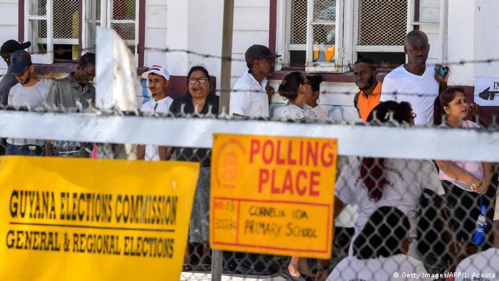 Очередь на избирательном участке в Гайане, 2 марта 2020 года