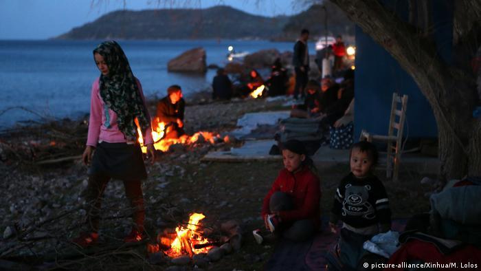 Griechenland Lesbos Skala Sikaminias Migranten Kinder