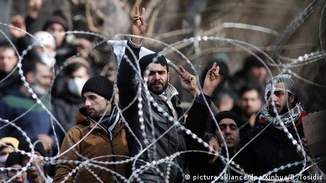 Γερμανός διεθνολόγος: Παράνομη η αναστολή ασύλου στην Ελλάδα