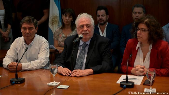 Lo que pasó no se va a generalizar, vamos a tratar de que no se generalice, enfatizó el ministro argentino de Salud, Ginés González. (Getty Images/AFP/J. Mabromata)