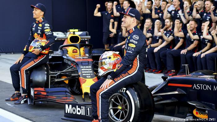 Red Bull drivers Alexander Albon and Max Verstappen (picture-alliance/HOCH ZWEI)