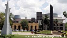 A general exterior view of the National Congress in Asuncion, Paraguay, 20 October 2008. The International Bureau of Cultural Capitals designated Asuncion as the American Capital of the Culture 2009. Foto: EPA/ANDRES CRISTALDO +++(c) dpa - Report+++ |
