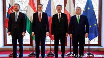 Rodzinne zdjęcie z Pragi: (od p.) Viktor Orban, Andrej Babisz, Mateusz Morawiecki i Peter Pellegrini)