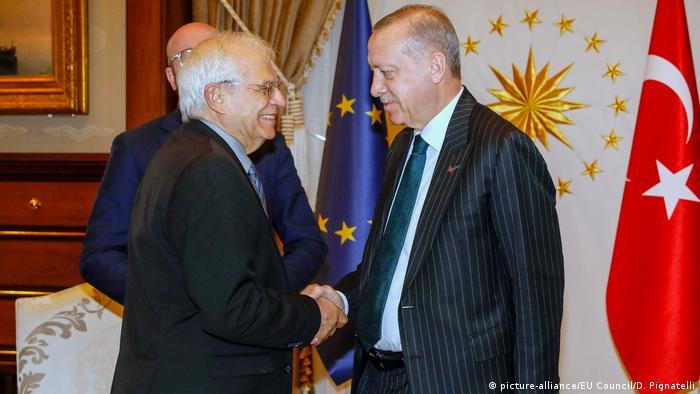 Türkei Ankara | EU-Vertreter Jospep Borrell und Recep Tayyip Erdogan (Foto: picture-alliance/EU Council/D. Pignatelli)