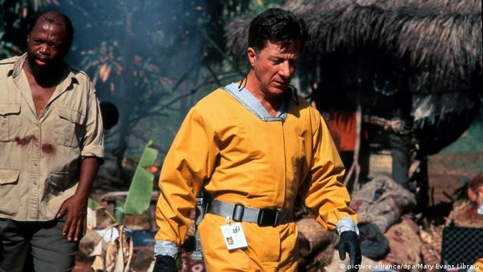 Дастин Хоффман в роли полковника Сэма Дэниелса. Сцена из фильма Эпидемия (Outbreak)