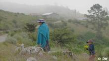 Global Displaced Guatemala Flucht Beschreibung: Es fliehen mehr Menschen wegen des Klimawandels als vor Kriegen. Bis 2050 könnten es 200 Millionen sein, warnen die Vereinten Nationen. Der Klimawandel lässt Regionen verdorren und Küstengebiete versinken.