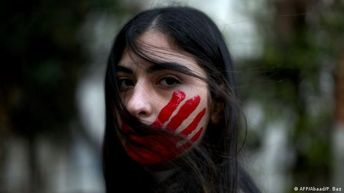 Libanon Beirut Protest Gewalt gegen Frauen