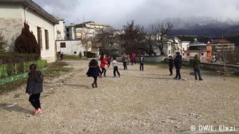 Süd-Balkan-Reise Minderheiten in Albanien (DW/E. Elezi)