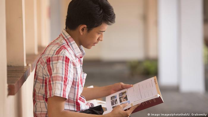 Belajar Dan Berinovasi Di Tengah Pandemi Covid 19 Indonesia Laporan Topik Topik Yang Menjadi Berita Utama Dw 02 05 2020