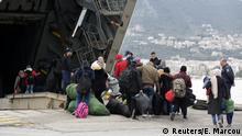 Griechenland Färhe in Mytilene, Lesbos bringt Flüchtlinge auf das Festland