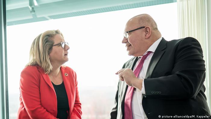 Deutschland Klimaschutz Svenja Schulze mit Peter Altmaier