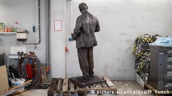 Двухметровый Ленин ждет своего часа в Гельзенкирхене