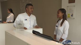 Hotel reception desk and staff in Cartagena - they help the Project La Muralla ¡Soy Yo! in Cartagena