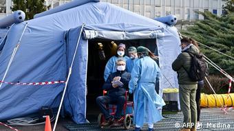 Coronavirus in Italien Cremona medizinischen Vorzelt vor dem Krankenhaus
