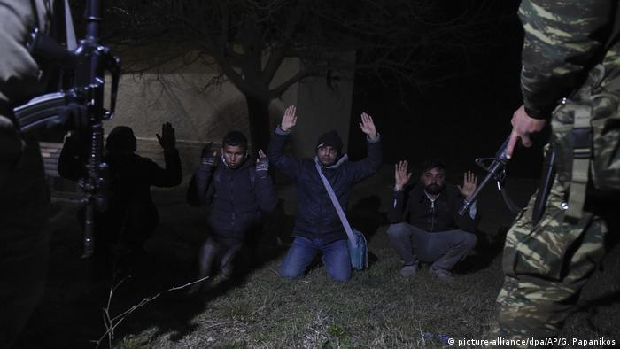 Migranci zatrzymani na granicy z Turcją przez greckie wojsko