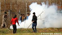 Rauchbomben und Tränengas an griechisch-türkischer Grenze