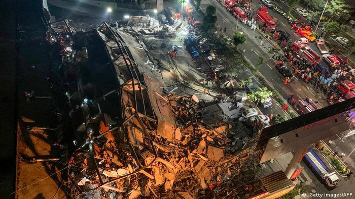 Hotel na China em ruínas após desabamento