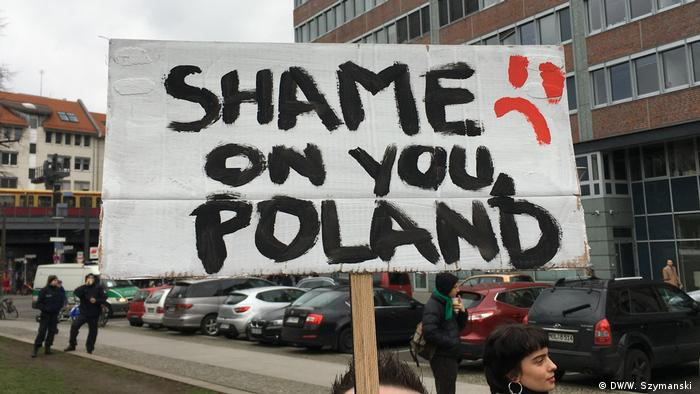Deutschland | Protest in Berlin gegen so genannte LGBT Freie Zone in Polen (DW/W. Szymanski )