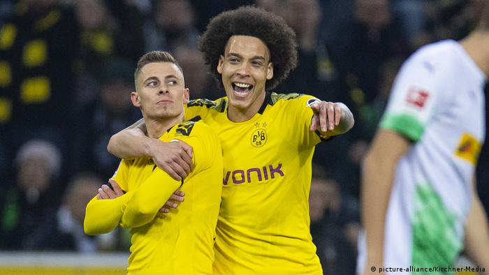 Bundesliga Borussia Dortmund Keep Title Dream Alive As Hazard Haunts Foals Sports German Football And Major International Sports News Dw 07 03 2020