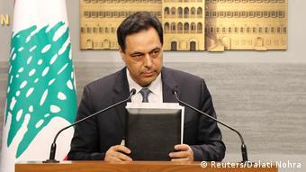 Libanon | Fernsehansprache Premierminister Hassan Diab (Reuters/Dalati Nohra)