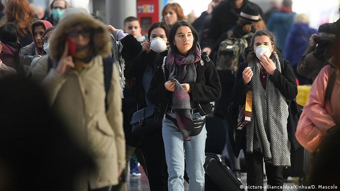 Italien Mailand Hauptbahnhof Coronavirus | Absperrung der Region Lombardei