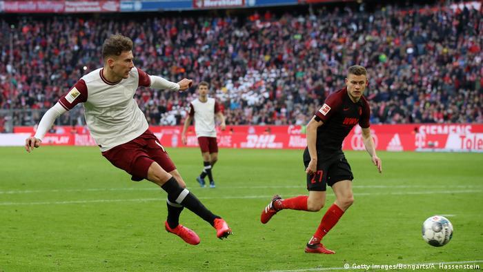 Fußball Bundesliga FC Bayern München - FC Augsburg Tor Goretzka