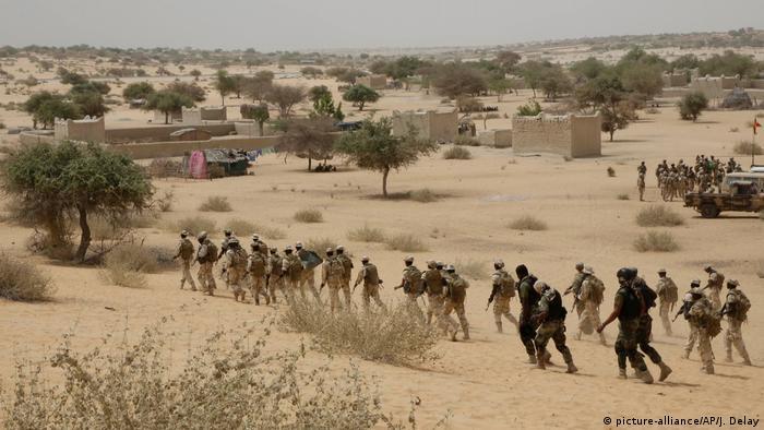 Des troupes tchadiennes en plein exercice à Mao (archive)