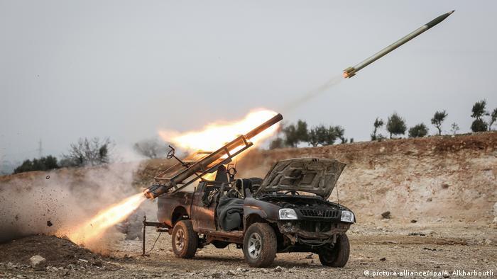Syrien Raketenwerfer bei Mizanaz