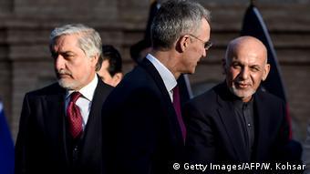 Afghanistan Kabul Abdullah Abdullah, Jens Stoltenberg und Ashraf Ghani