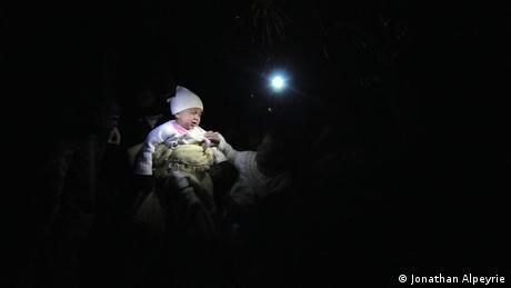 Syrien Zivilisten nahe Grenze zur Türkei (Jonathan Alpeyrie)