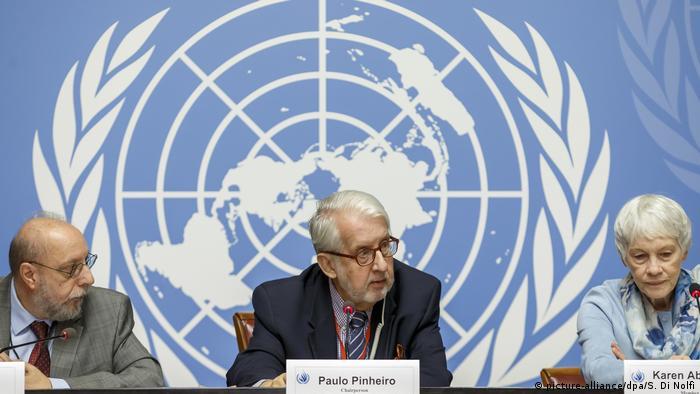 Члены Международной независимой следственной комиссии по Сирии: Ханни Мегалли, Паулу Пиньейру и Карен Абузайд (слева направо)